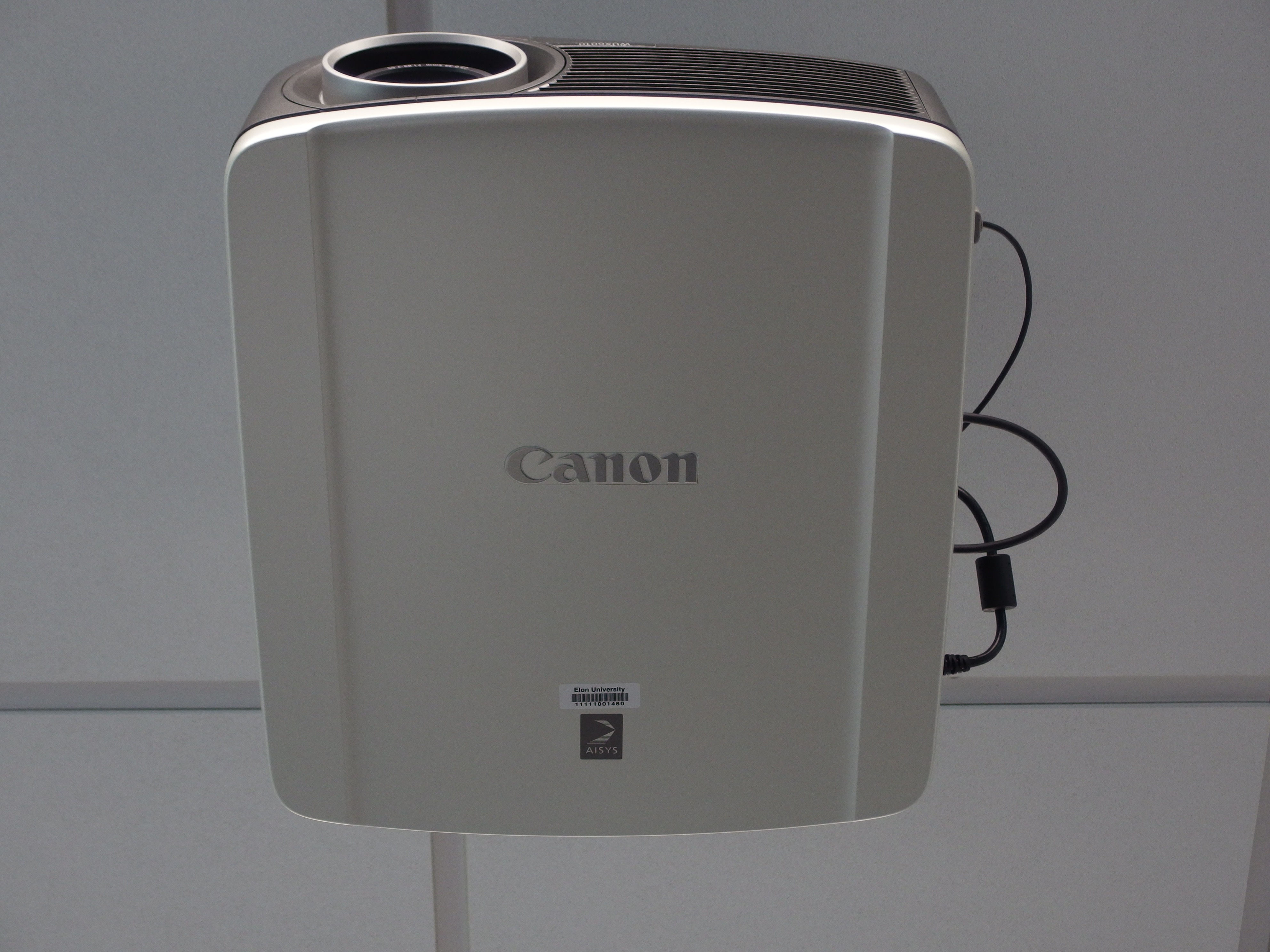 A photo of the projector.