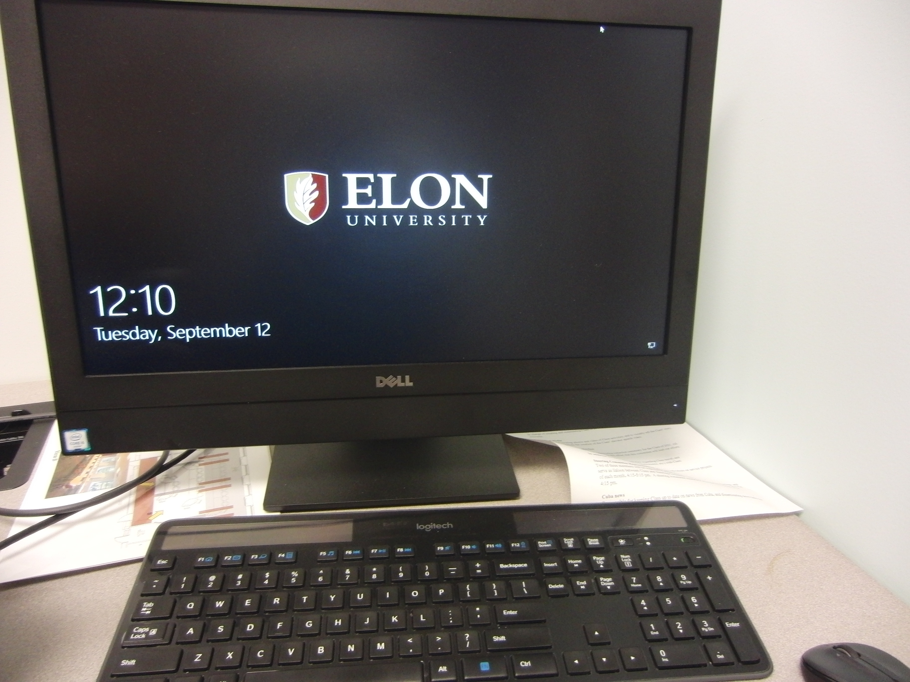 Photo of Dell computer located on the instructor station