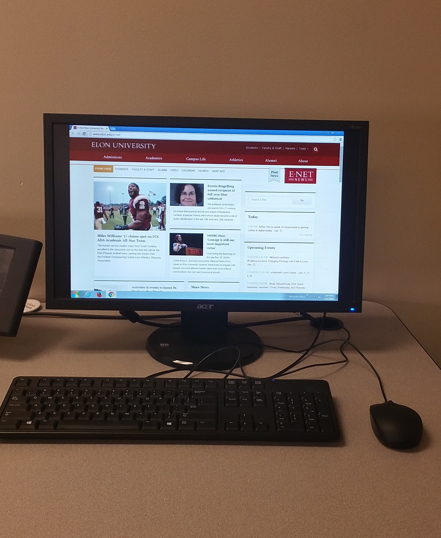 Photo of Dell desktop located on the instructor's station