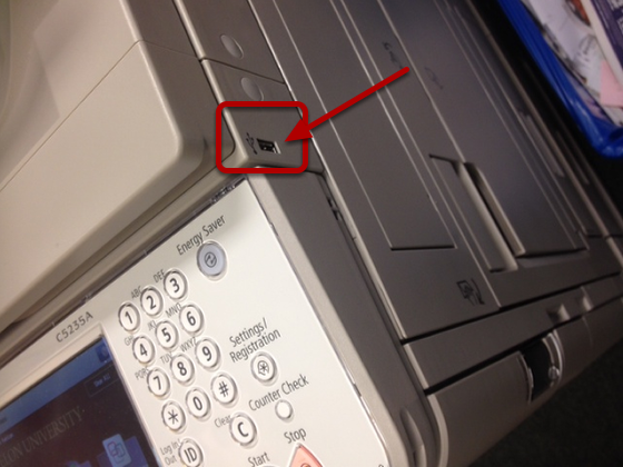 An image of where the flash drive can be inserted, which is circled.