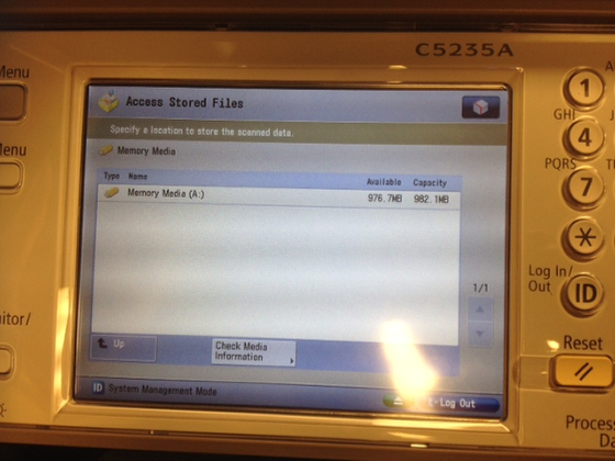 An image of the screen where you can select your flash drive.